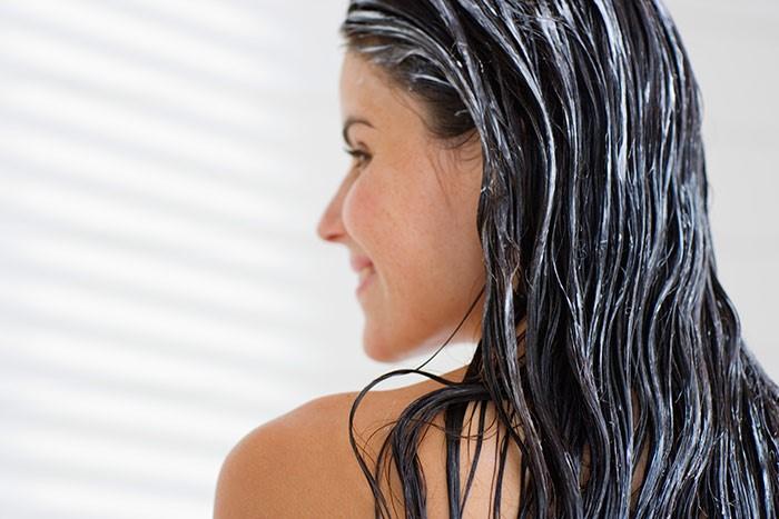 Кондиционер на волосах