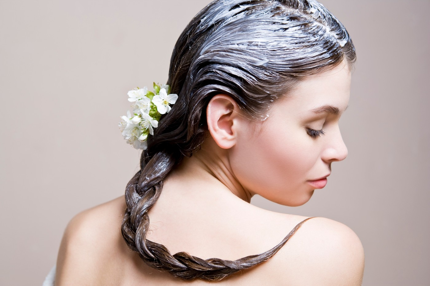 Маска для волос из касторового масла и сметаны