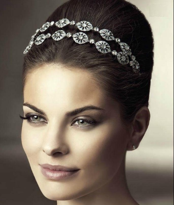 Греческая прическа на свадьбу собранная
