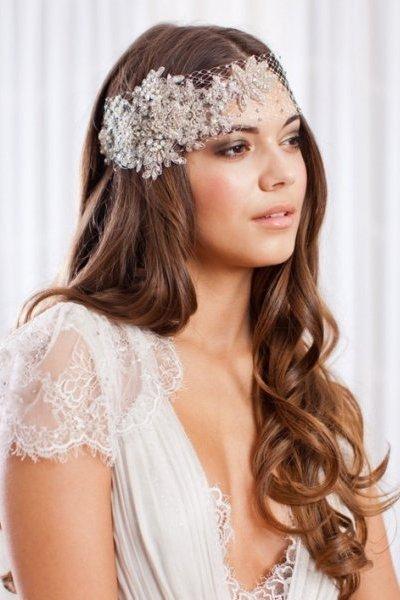 Свадебная укладка невесте с маленькой вуалью