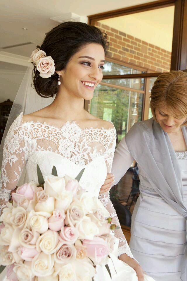 Прическа для счастливой невесты 2017