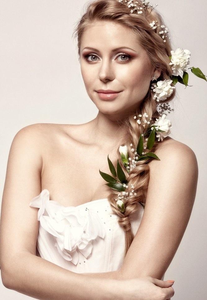 Свадебная коса с цветами
