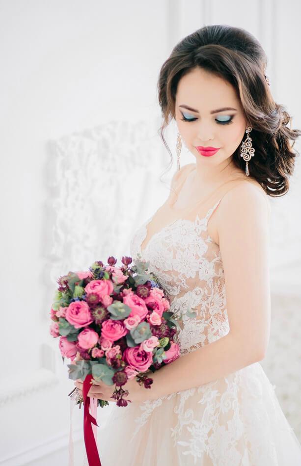 Свадебная прическа плетение с локонами