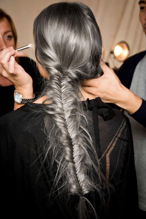 Металлический цвет волоса с серебристым оттенком