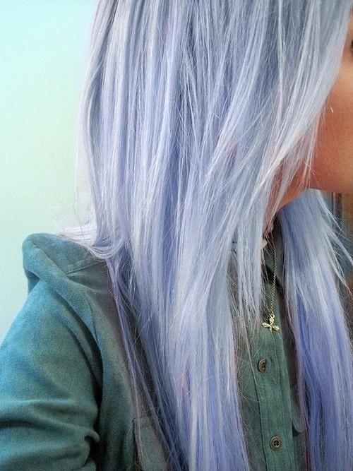 Нежное окрашивание волос в приятный серый цвет