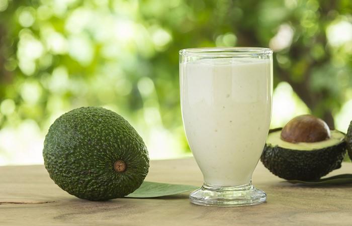 Йогуртово-авокадовая маска для питания волос