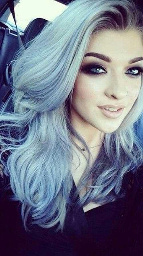 Окрашивание волос в серый цвет с голубыми прядями