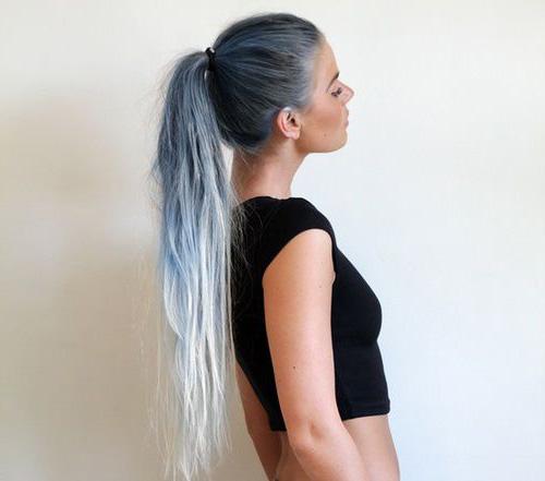 Омбре на длинные волосы серо-белого цвета