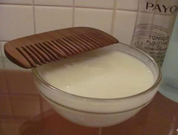Маска для сухих волос из йогурта и яйца