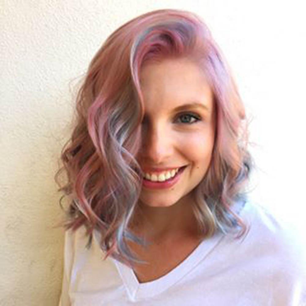Красивое окрашивание волос с серым цветом и опалом