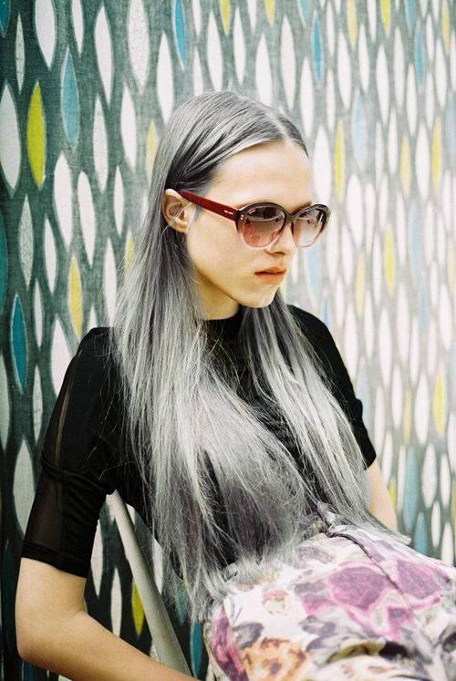 Очень блестящий цвет волос оттенка металлик фото