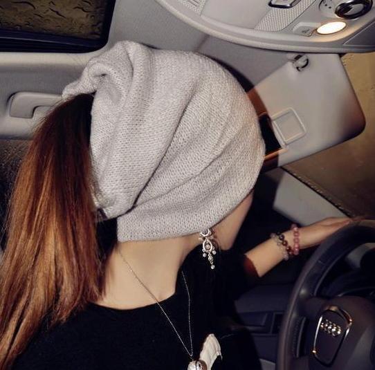 Зимняя шапка с отверстием для гульки или хвоста