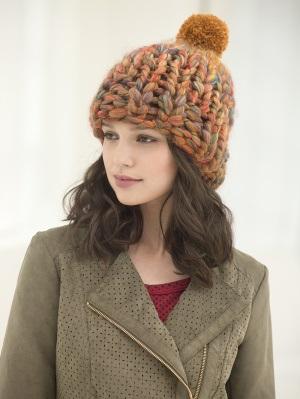 Объемная шапка с бубоном