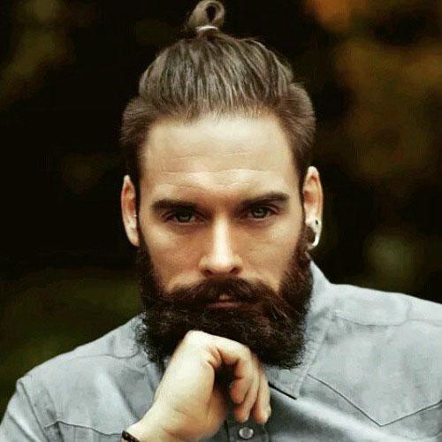 Фото бороды с усами и собранными в гульку волосами