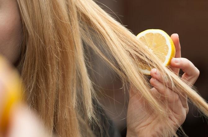 Калифорнийское мелирование лимонным соком
