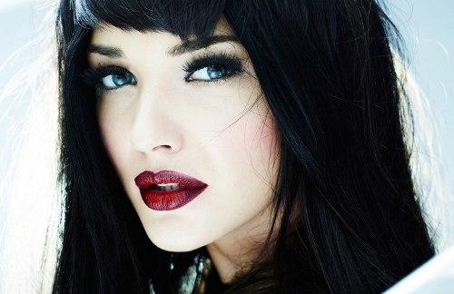 Синие глаза с черными волосами как правильно выбрать цвет волос
