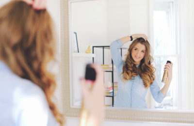 Как можно сделать красивые кудри утююжком для волос