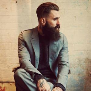 Классическая стрижка с классической бородой мужской стиль фото